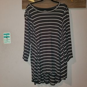Maurices plus.size 4 long sleeve top